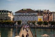 Erweitern - oder ersetzen? Das ist noch offen. Klar ist aber: Das Luzerner Theater soll an seinem jetzigen Standort bleiben. (Bild: Roger Grütter)