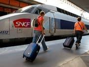 Die staatliche französische Bahn SNCF will Züge entwickeln, die ohne Lokführer fahren können. (Bild: KEYSTONE/AP/CLAUDE PARIS)