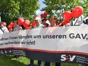 Mitte Juni waren Tausende SBB-Angestellte für ihren Gesamtarbeitsvertrag (GAV) auf die Strasse gegangen. (Bild: Keystone/WALTER BIERI)