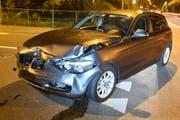 Dieser BMW wurde vor allem vorne beschädigt. (Bild: Luzerner Polizei)