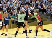 Auch neun Treffer von Sibylle Scherer (Mitte) reichen nicht zum dritten Sieg im dritten Match. (Bild: Werner Schelbert (Zug, 12. September 2018))