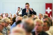 Roger Köppel bei einem Auftritt vor SVP-Delegierten. (Bild: Alexandra Wey/Keystone (Unterägeri, 25. August 2018))