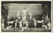 Die Ruswiler Jugendriege bei einer Turn-Aufführung im Jahr 1935. (Bild: PD)