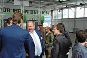 Im Element als leutseliger Rheintaler Netzwerker: Wiga-Messeleiter Paul Schlegel an der Eröffnungsfeier der Rhema 2018 im Mai in Altstätten. (Bild: Max Tinner)
