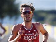 Der Mixed-Team-EM-Silbermedaillengewinner Sylvain Fridelance ist einer von zwei teilnehmenden Schweizer Triathleten am Grand Final der WM-Serie in Australien (Bild: KEYSTONE/EPA/NEIL HALL)