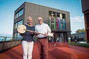 Schulleiterin Birgit Höntzsch und der Sempacher Stadtrat Guido Durrer. (Bild: Boris Bürgisser, 14.September 2018)
