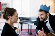 Anstandsbesuch beim Opa auf dem Abstellgleis: Kristine Walther und Tobias Fend vom freien Theater Café Fuerte. (Bild: pd)