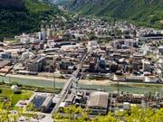 Der Chemiekonzern Lonza war wegen Widerhandlungen gegen das Gewässerschutzgesetz und fahrlässiger Verunreinigung von Trinkwasser angeklagt. (Bild: KEYSTONE/OLIVIER MAIRE)
