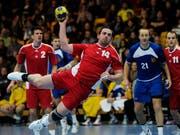 Kreisläufer Alen Milosevic bei einem Spiel der Schweizer Nationalmannschaft am Yellow-Cup 2012 (Bild: KEYSTONE/STEFFEN SCHMIDT)