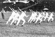 Einer der erforschten Aspekte: Sport wurde lange als reine Männerangelegenheit betrachtet. Im Bild zu sehen ist eine Szene des Eidgenössischen Turnfestes in Genf im Jahr 1925. (Bild: zvg/Universität Luzern/Peter Glogg)
