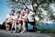 Hans Rust, Doris Göser, Kerstin und Günther Pfaff (von links) haben letzte Woche als Vertreter Walchwils und der Schweiz den Médoc-Marathon in Frankreich bestritten. (Bild: Stefan Kaiser (Walchwil, 4. September 2018))