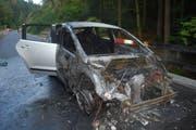 Das Auto erlitt Totalschaden. (Bild: Luzerner Polizei (Adligenswil, 13. September 2018))