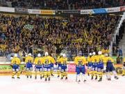 Die Davoser Fans können einen Spieler mehr bejubeln. (Bild: KEYSTONE/ANTHONY ANEX)
