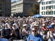 Christlich-konservative Gruppen demonstrieren an der Kundgebung «Marsch fürs Läbe» auf dem Bundesplatz gegen Abtreibungen. (Bild: Keystone/ANTHONY ANEX)