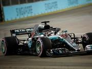 Lewis Hamilton ist unter Flutlicht in Singapur der Trainingsschnellste (Bild: KEYSTONE/EPA/FRANCK ROBICHON)