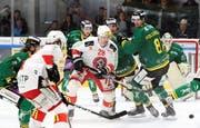 Je länger das Spiel dauerte, desto mehr kamen die Thurgauer (grün) gegen die Winterthurer unter Druck. (Bild: Mario Gaccioli)