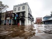 Überschwemmungen in Wilmington (North Carolina): Das tückische an Wirbelsturm «Florence» sind die riesigen Niederschlagsmengen. (Bild: KEYSTONE/EPA/JIM LO SCALZO)