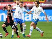 Die Einwechslung von Admir Mehmedi macht sich für Wolfsburg bezahlt (Bild: KEYSTONE/EPA/SASCHA STEINBACH)