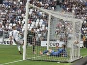 Cristiano Ronaldo trifft aus kurzer Distanz erstmals für Juventus Turin (Bild: KEYSTONE/EPA ANSA/ANDREA DI MARCO)