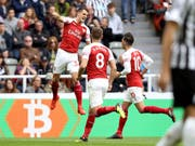 Granit Xhaka nach seinem Freistosstor gegen Newcastle United (Bild: KEYSTONE/AP PA/OWEN HUMPHREYS)