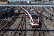 Im Bereich der Langensandbrücke werden im November Weichen ersetzt. Dies führt zu einer Totalsperrung des Bahnhofs Luzern während einem Wochenende. (Bild: Pius Amrein, Luzern, 18. September 2018)