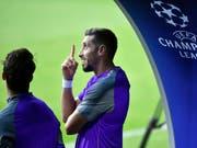 Der Weg nach oben wird noch beschwerlicher: Die Champions League wartet mit einigen Neuerungen auf (im Bild Portos Mittelfeldspieler Hector Herrera) (Bild: KEYSTONE/AP/MARTIN MEISSNER)
