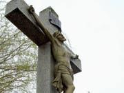 Die katholische Kirche will ihre Richtlinien bei sexuellen Übergriffen verschärfen. (Bild: KEYSTONE/ANDREE-NOELLE POT)