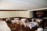 Endlich: Die Akustikdecke ist im Restaurant Facincani ersetzt worden. (Bild: Christoph Renn)