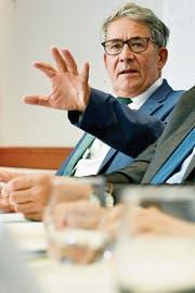 Urs Schwaller, Verwaltungsratspräsident der Post, während der Medienorientierung. (Bild: Urs Flüeler/Keystone)
