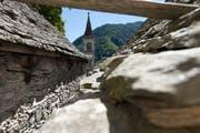 Die Pfarrkirche von Comologno im hinteren Onsernonetal. (Gaetan Bally/Keystone)