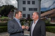 Sie fusionieren: Thomas Roos, Gemeindepräsident von Ebersecken (links) und Urs Kaufmann, Gemeindepräsident von Altishofen. (Bild: Pius Amrein; Altishofen, 23. September 2018)