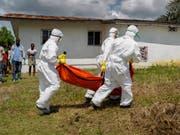 Einer der gefährlichsten Krankheiten der Welt: Ebola fielen im Kongo beim jüngsten Ausbruch bereits über 100 Menschen zum Opfer. (Bild: KEYSTONE/EPA/AHMED JALLANZO)