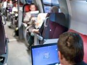 Bald schnelles Internet in den Fernverkehrszügen: SBB-Chef Andreas Meyer verspricht eine bessere Technologie als WLAN. (Bild: KEYSTONE/GAETAN BALLY)