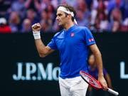 Entschlossen und mit etwas Glück zum Sieg: Roger Federer am Laver Cup (Bild: KEYSTONE/FR136454 AP/KAMIL KRZACZYNSKI)