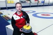 Stefan Meienberg in der Curlinghalle Zug. (Bild: Werner Schelbret (24. September))