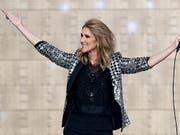 Die Sängerin Céline Dion, hier bei einem Auftritt im Stade de Suisse in Bern, beendet ihre Shows in Las Vegas. (Bild: KEYSTONE/ANTHONY ANEX)