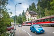 Gemeinsam wollen Stadt und Kanton St.Gallen sowie Ausserrhoden den Stau auf der Teufener Strasse künftig in die Liebegg (im Bild) verlagern. Dafür ist eine Pförtneranlage in Planung, die nur so viele Autos passieren lässt, wie die Strasse zu schlucken vermag. (Bild: Urs Bucher - 15. September 2016)