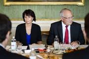Vor dem Abgang? Doris Leuthard und Johann Schneider-Ammann. (Bild: Keystone)
