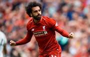 Mohamed Salah feiert sein Tor, das er für Liverpool in der English Premier League gegen West Ham erzielt hat. (Bild: EPA/Peter Powell (Liverpool, 12. August 2018))