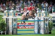 Spannende Wettkämpfe in St.Gallen: Romain Duget im Sattel von Twentytwo Des Biches (Bild: Urs Bucher)