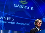 Fusion zum Branchenprimus im Goldminen-Industrie: Barrick Gold will sich mit über 6 Milliarden Dollar am Konkurrenten Randgold Resourcen beteiligen. (Archiv: Barrick CEO John L. Thornton) (Bild: KEYSTONE/AP The Canadian Press/NATHAN DENETTE)