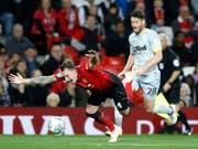 Manchester United (mit Phil Jones im Bild) strauchelt im Ligacup (Bild: KEYSTONE/AP PA/MARTIN RICKETT)