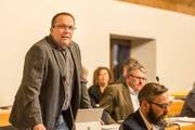 FDP-Fraktionspräsident Felix Keller erläutert den Standpunkt der Bürgerlichen. (Bild: Hanspeter Schiess - 12.12.2017)