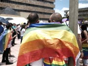 Der Nationalrat will Diskriminierungen von LGBTI-Menschen unter Strafe stellen. Beim Schutz geht er weiter als der Bundesrat. (Bild: KEYSTONE/EPA EFE/JEFFREY ARGUEDAS)
