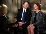 Supreme-Court-Richterkandidat Brett Kavanaugh mit seiner Frau Ashley beim TV-Interview. (Bild: KEYSTONE/AP/JACQUELYN MARTIN)