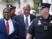 Das Urteil gegen ihn wegen sexuellen Missbrauchs wird am Dienstag erwartet: US-Entertainer Bill Cosby. (Bild: KEYSTONE/EPA/TRACIE VAN AUKEN)