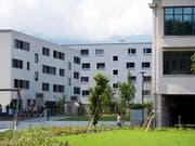 Eigentumswohnungen sind gefragt. In den meisten Schweizer hat die Suche nach einem Käufer dieses Jahr deutlich weniger lange gedauert. (Bild: KEYSTONE/PETER SCHNEIDER)