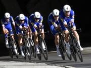 Das belgische Team QuickStep Floors gewann am Sonntag in Innsbruck WM-Gold im Mannschaftszeitfahren (Bild: KEYSTONE/APA/APA/HERBERT NEUBAUER)