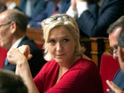 Marine le Pens Partei muss künftig mit einer Million Euro weniger aus öffentlichen Mitteln auskommen. (Bild: KEYSTONE/AP/MICHEL EULER)
