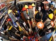 Feuerwerkskörper und Raketen für Silvester - beliebt, aber nicht ungefährlich. (Symbolbild: key/Steffen Schmidt)